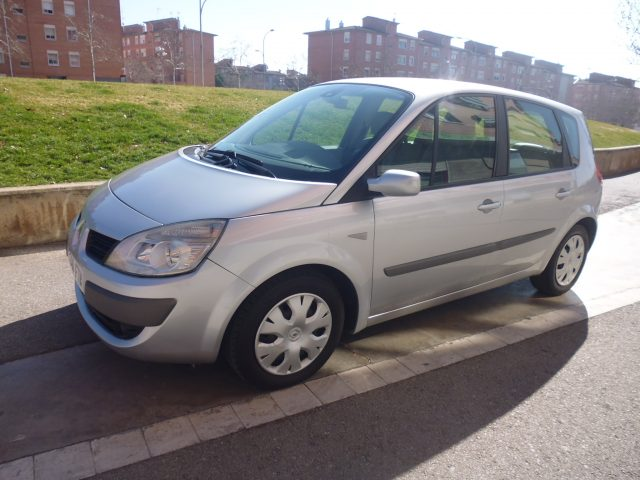 VW TOURAN 2.0 TDI 7PL.
